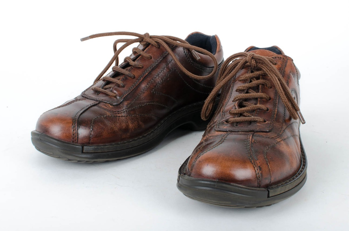 d1287a268a3a ECCO Light Shock Point brown patina casual shoes.